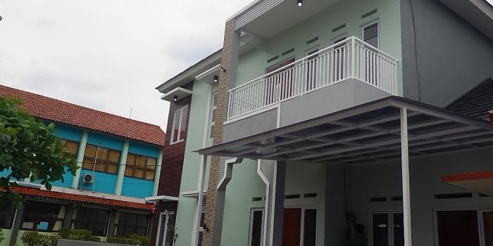 Rumah Mewah Di Dalam Komplek Sekolah Islam, Beji, Depok